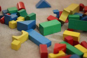 building blocks 1563961 1920 300x200 - Bloques