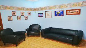 Sala de espera 2 300x169 - Sala de espera 2